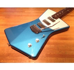 MUSIC MAN ST VINCENT BLUE + CASE